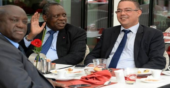 الجامعة توقع اتفاقية شراكة مع اتحادات افريقية