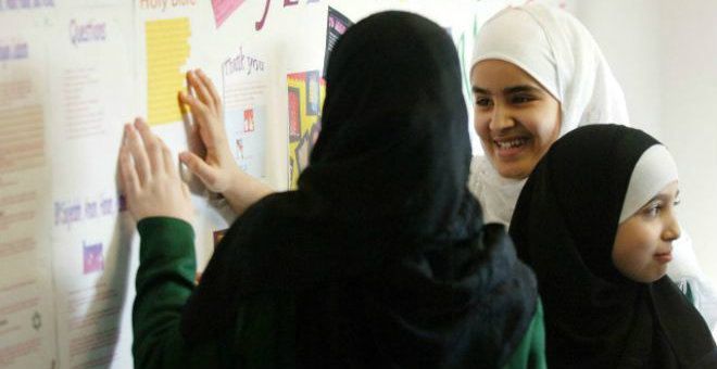 مدارس بريطانية تفرض شروطها للصيام على الطلبة المسلمين