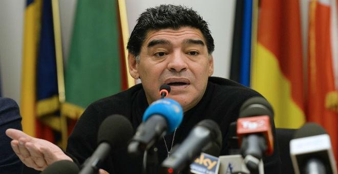 مارادونا يعلن ترشحه للانتخابات المقبلة للفيفا