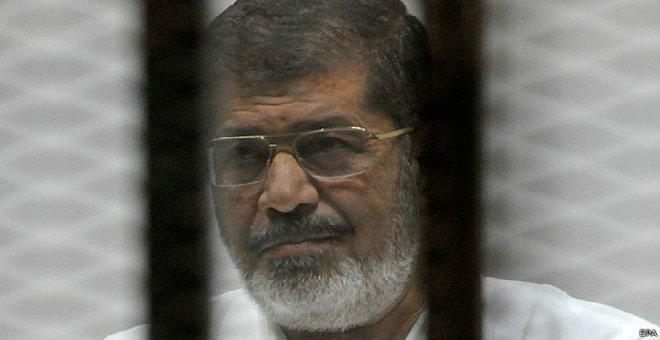 عاجل...المحكمة المصرية تؤجل النطق بحكم إعدام الرئيس المعزول