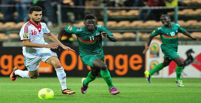 الزاكي يستدعي أولحاج للمشاركة في مباراة ليبيا