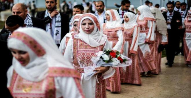 تركيا تمول حفل زفاف جماعي في غزة