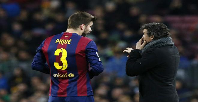 بيكي يؤكد بقاء المدرب انريكي مع البارصا