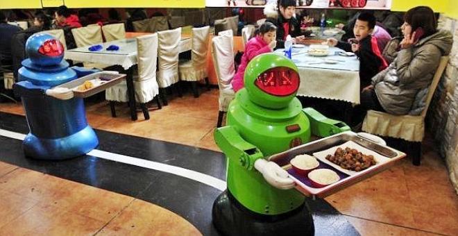 بالفيديو.. روبوت يمكنه تحضير أكثر من 2000 وجبة