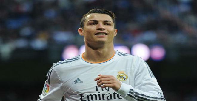 رونالدو يوقع عقدا مع مالك فريق فالنسيا الاسباني