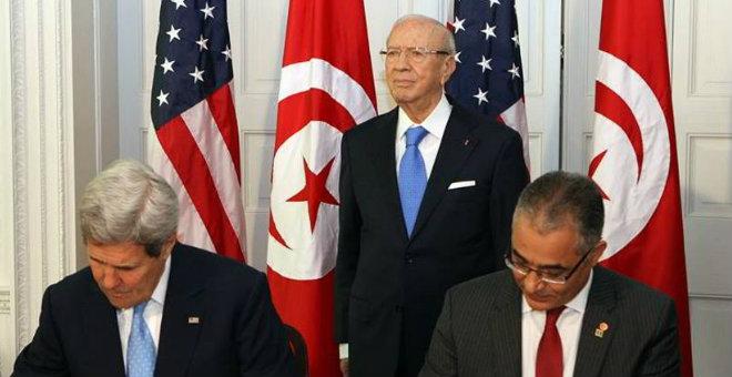 الجزائر تبدي تخوفها من تقارب عسكري بين تونس وأمريكا
