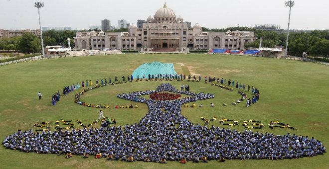 رئيس وزراء الهند: اليوغا قادرة على جمع البشرية