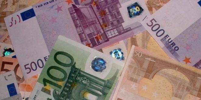 توقيف فرنسي حاول تهريب 200 ألف أورو