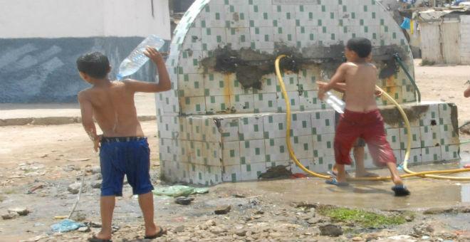 الأحياء الشعبية في الدار البيضاء تفتقر إلى مرافق الأطفال والشباب