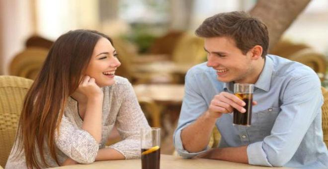 10 أسباب تدفعك للزواج بالرجل البسيط