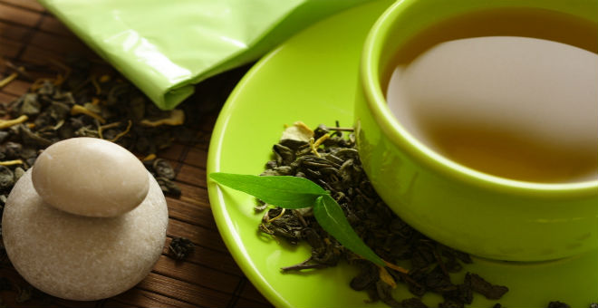 الشاي الأخضر..دليلك لبشرة صحية وشابة