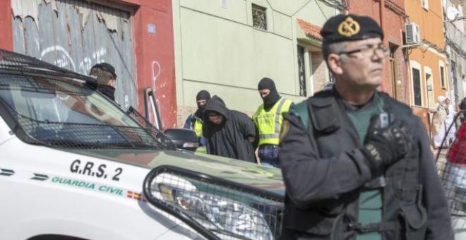الشرطة الإسبانية تعتقل مواطنا من اصل مغربي بشبهة الدعاية ل