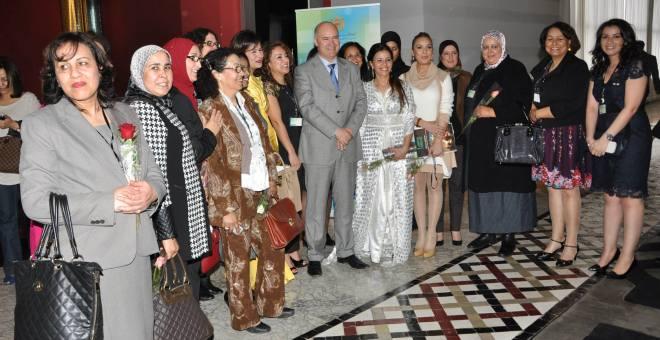 اليوم الوطني للجالية يحتفي بدور المرأة المغربية المهاجرة