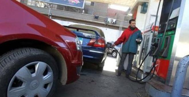 زيادة في أسعار البنزين وانخفاض في أثمان الغازوال في المغرب
