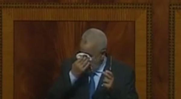 بنكيران يبكي في البرلمان