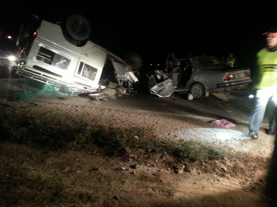 عاجل: وفاة شخص و إصابة أطفال مخيّم بجروح في حادثة سير نواحي طانطان