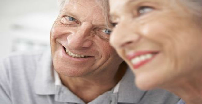 دراسة:علامات الشيخوخة تظهر في أواسط العشرينات