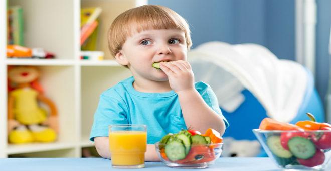 5 حيل لتشجيع الأطفال على تناول الطعام الصحي
