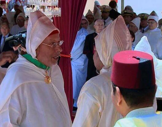 الملك محمد السادس يوشح ابن سعيد أيت ايدر بوسام ملكي بمناسبة عيد العرش