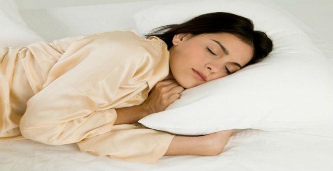 4 حيل بسيطة تزيد حرق الدهون أثناء نومك