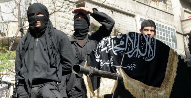 مقتل 25 شخصا من جبهة النصرة في انفجار مسجد بإدلب السورية