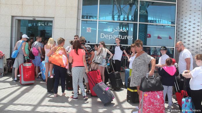 توقعات بانخفاض النمو الاقتصادي التونسي إلى النصف بعد هجومي باردو و سوسة