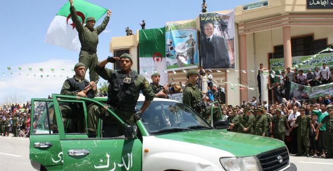 مقتل ثلاثة عناصر من الشرطة الجزائرية رميا بالرصاص