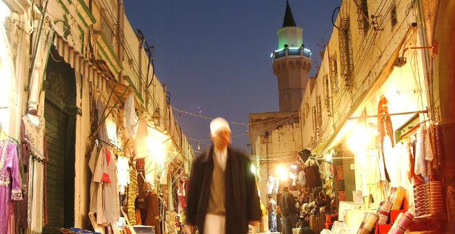 طرابلس الليبية تعيش أزمة كهرباء كبيرة