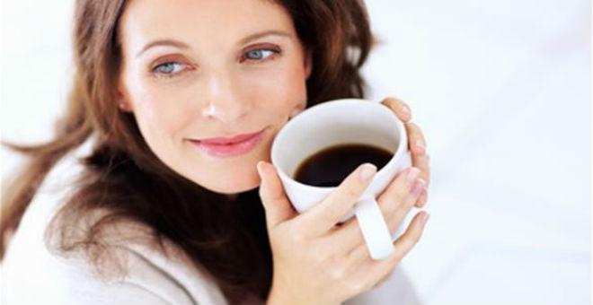 5 أكواب من القهوة يوميا تحمي من سرطان الثدي