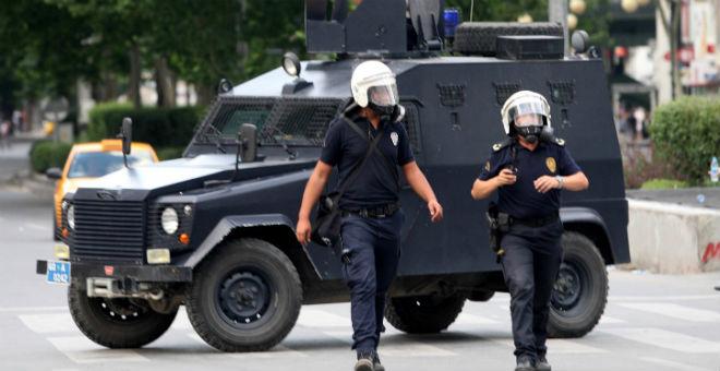 مقتل شرطيين تركيين رمياً بالرصاص