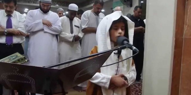 إمام أردني عمره 5 أعوام يصلي التراويح