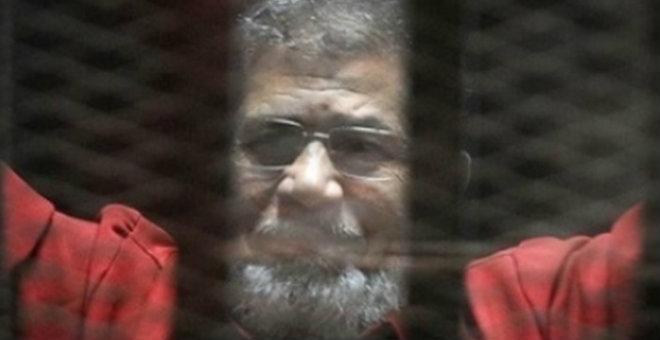محكمة جنايات القاهرة تستأنف محاكمة الرئيس المعزول