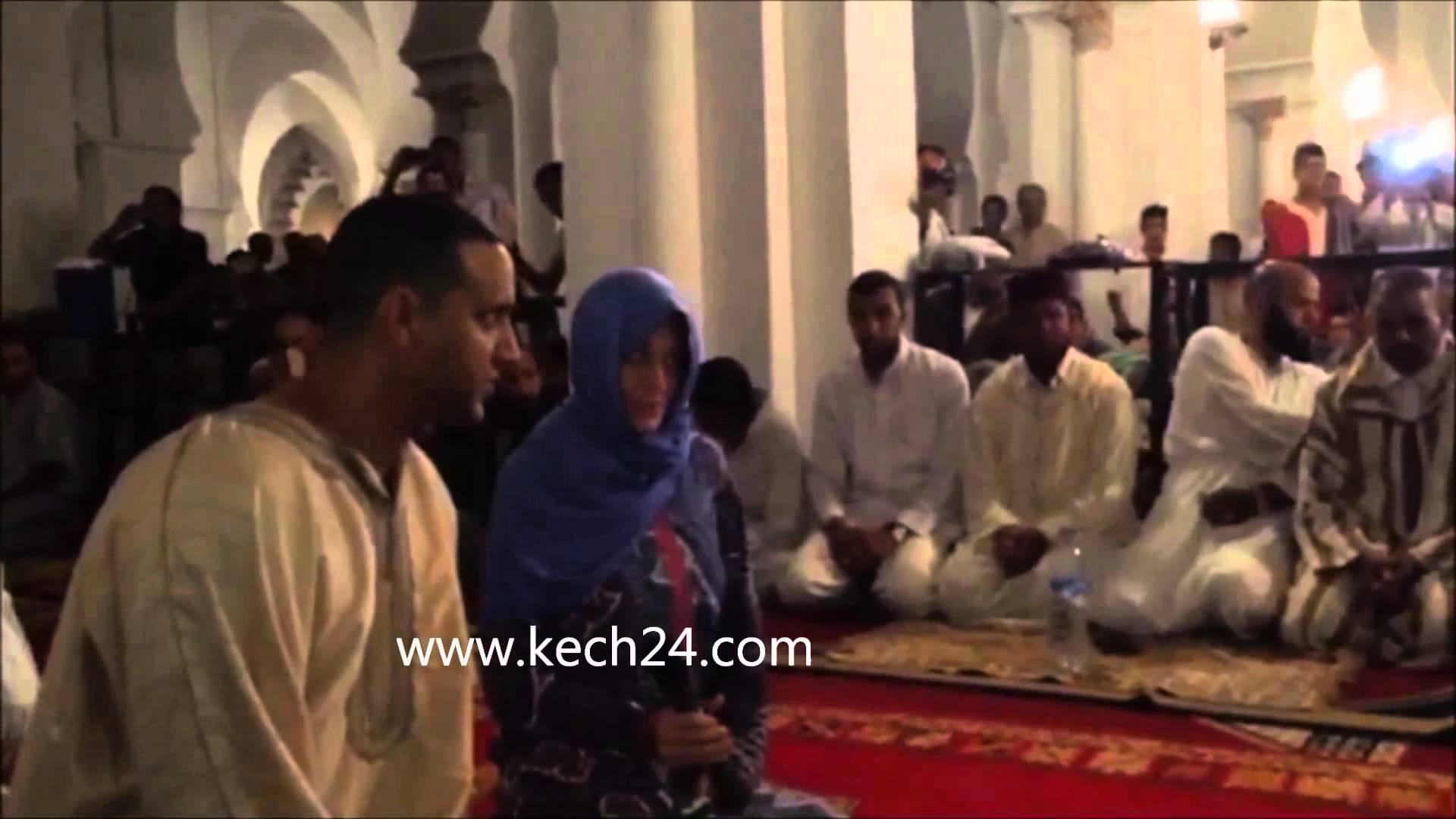 صحافية ألمانية تعلن إسلامها خلال صلاة التراويح في مراكش
