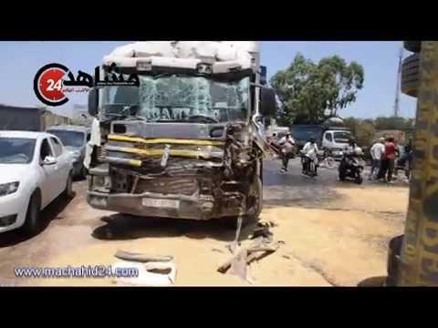 السرعة تتسبب في انقلاب شاحنة محملة بالحبوب في الدار البيضاء
