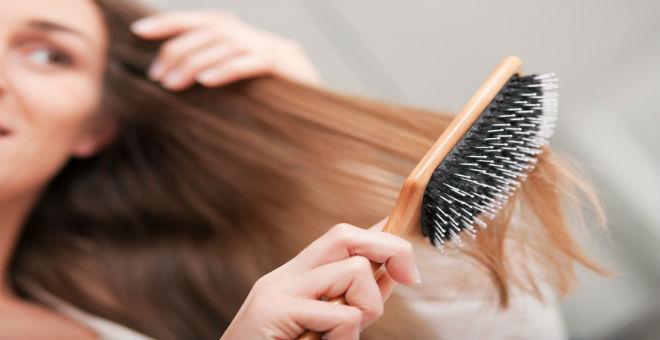 عادات واستخدامات تزيد تساقط الشعر