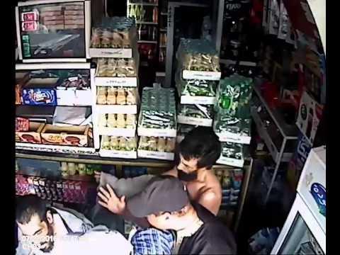 """بالفيديو...باشا المحمدية""""يعتدي"""" على تاجر"""
