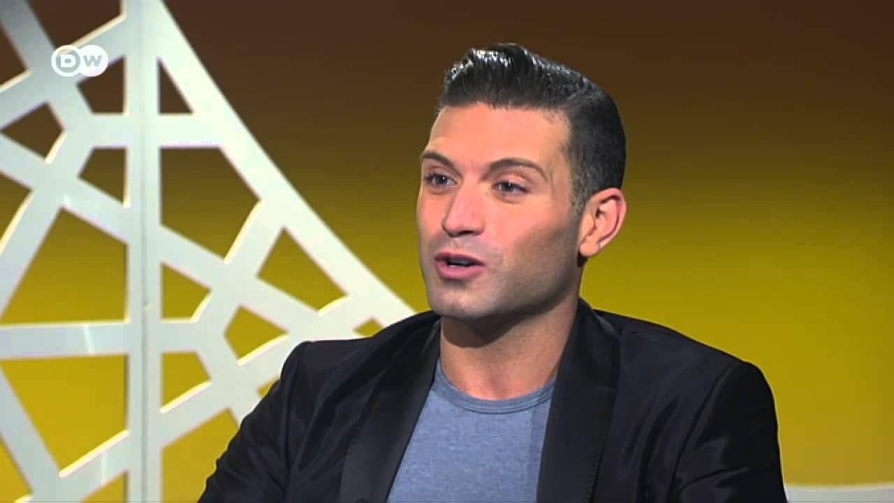 حفيد عمر الشريف يتحدث عن مثليته