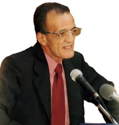 قصيدة حجارة  الأسماء  للشاعر أحمد بلحاج آية وارهام