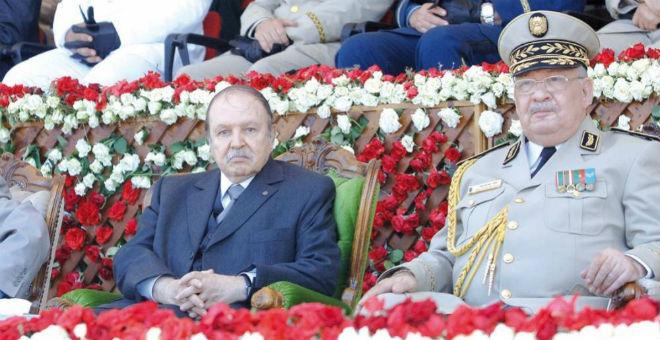 فرضية المحاولة الانقلابية تحوم حول إقالة مسؤولين أمنيين كبار بالجزائر