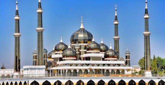 بالفيديو.. «مسجد الكريستال» من أجمل مساجد العالم