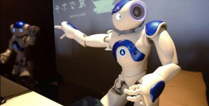 روبوت ذكي ومؤدب أيضا