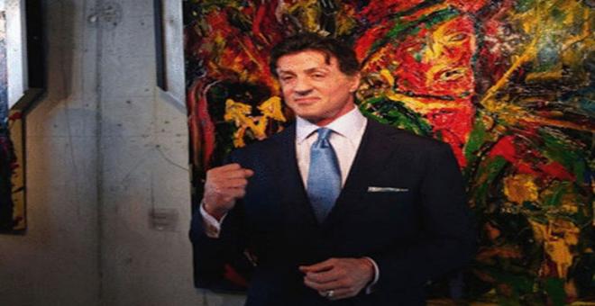 الممثل الأمريكي سيلفستر يعرض لوحاته في فرنسا