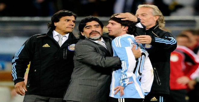 مارادونا مهاجما ميسي: هل هو أرجنتيني أم سويدي؟