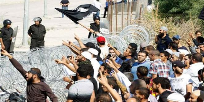 Tunisia clash youth police1
