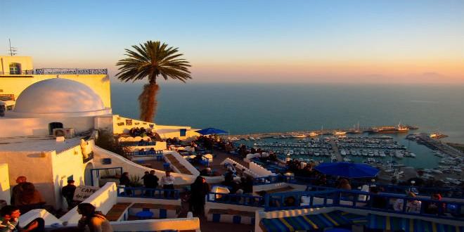 السياح الجزائريين