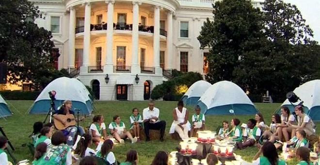 بالصور .. البيت الأبيض يتحول لـ«مخيم»