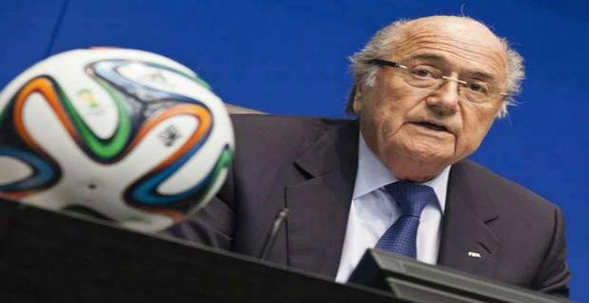 بلاتر يكشف علاقة ساركوزي بمونديال قطر 2022