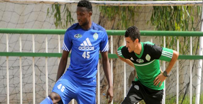 الرجاء يختبر مؤهلات لاعب غاني جديد