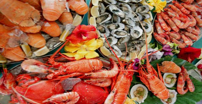 أفضل 5 وجهات سياحية لعشاق الأطعمة البحرية