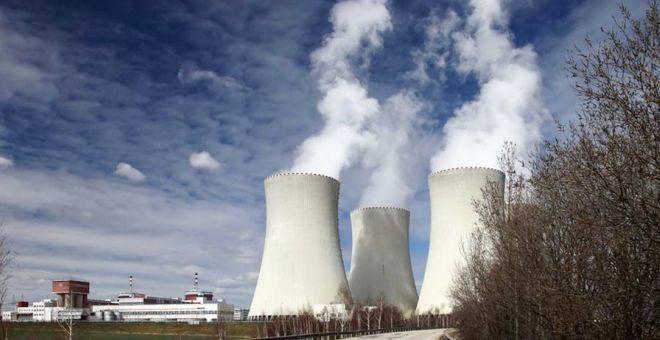سياسات الانتشار النووي: دراسة في المحددات السياسية والأطر القانونية